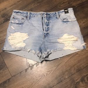 🆕 women's Abercrombie and Fitch shorts